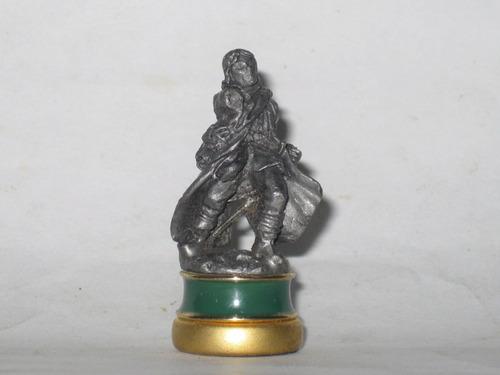e el señor de los anillos pieza ajedrez figura plomo mide5cm