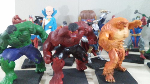 eaglemoss marvel mega special red hulk