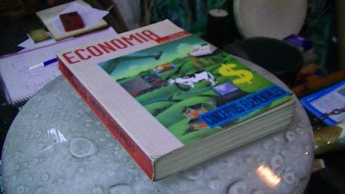 economia conceptos fundamentales