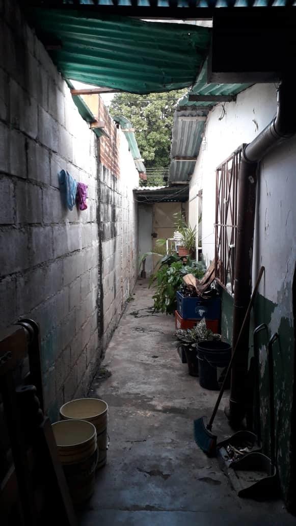 económica casa sector josé félix rivas