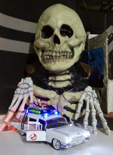 ecto-1 ghostbusters os caça fantasmas 1/24 jada luzes e som
