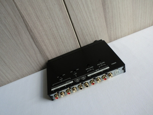 ecualizador / crossover y pre amplificador eclipse eq1000