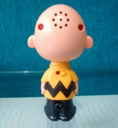 ed003-miniatura charlie brown