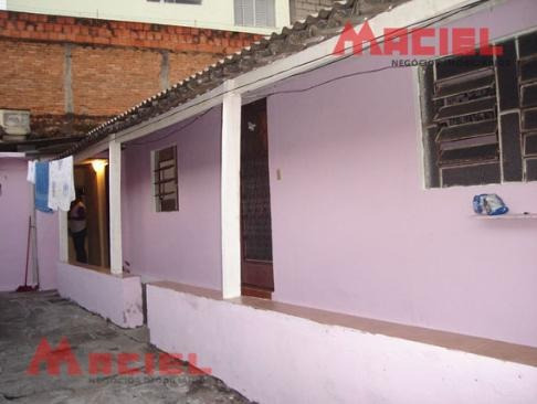 edicula - 3 dormitorios e quintal