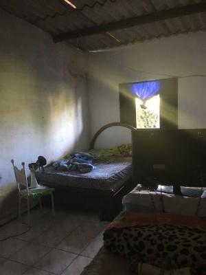 edícula com 2 dormitórios! itanhaém-sp, confira