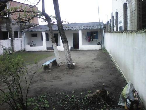 edícula no jardim tropical, em itanhaém, litoral sul de sp