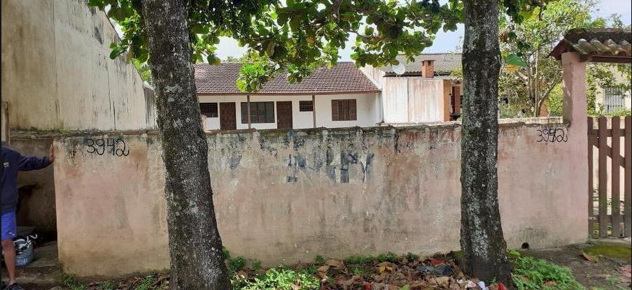 edícula no suarão perto de moradores e comércios em itanhaém