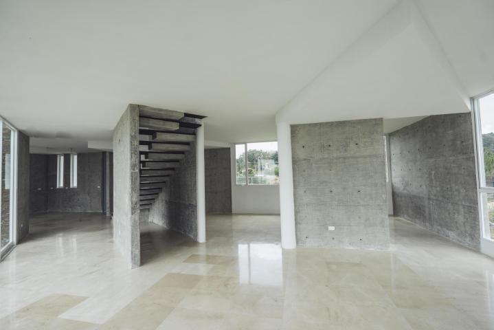 edificio # 19-19217 yanet 0414-0195648