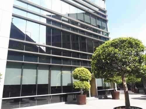 edificio aaa corporativo con helipuerto.