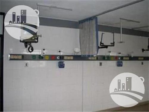edificio apto geriátrico, clínica o sanatorio.
