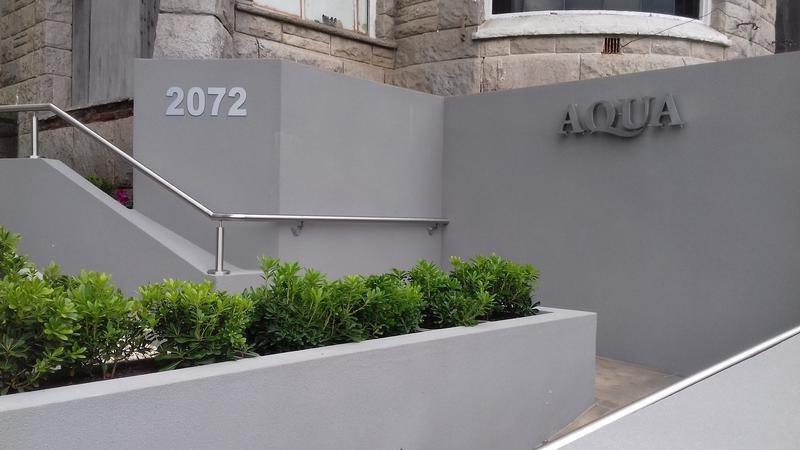 edificio aqua - impecable 3 ambientes con cochera fija