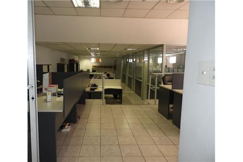 edificio comercial 2 plantas c/cocheras y deposito