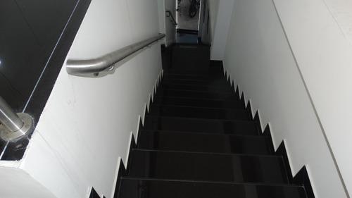 edificio comercial av. nqs con 79