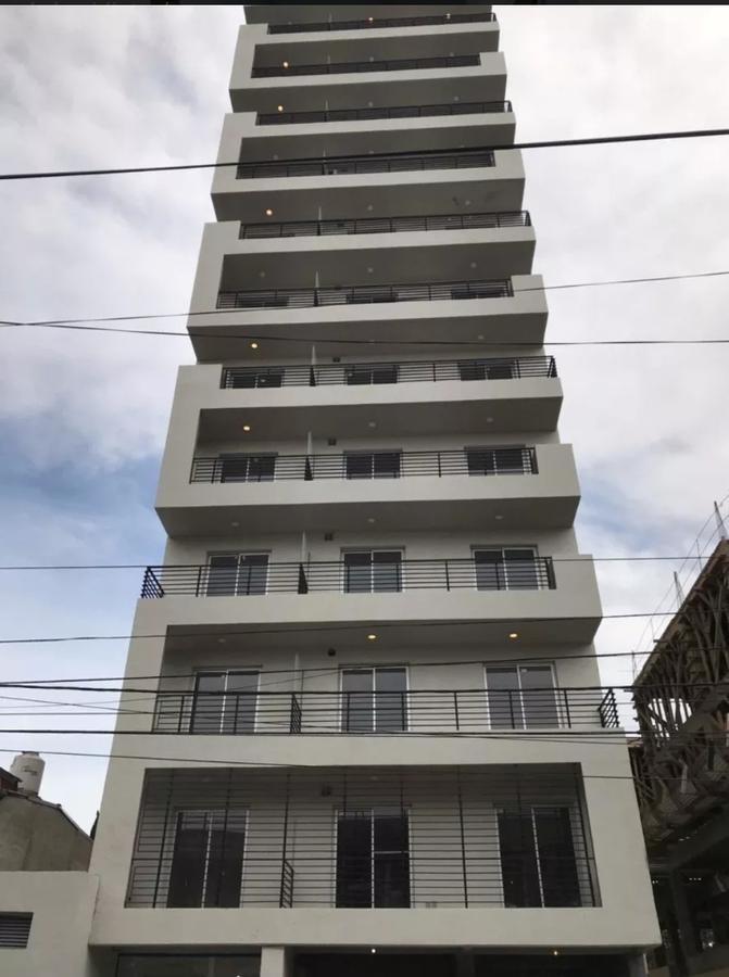 edificio comercial - caseros