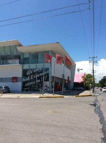 edificio comercial renta 540m2 av. yaxchilan frente a costco