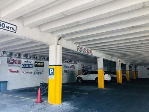 edificio comercial situado en esquina del centro de mérida