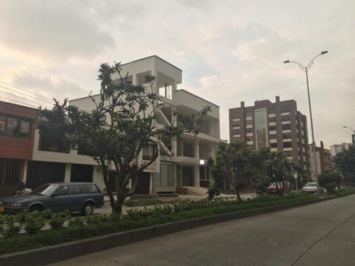 edificio con local y oficinas palermo manizales