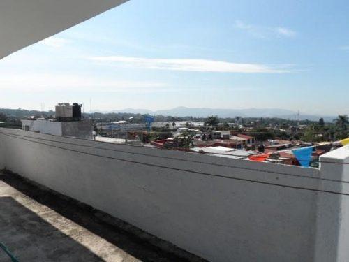 edificio con locales, departamentos oficinas y terreno ideal para estacionamiento !!