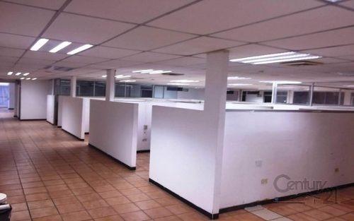 edificio con oficinas, excelente ubicación