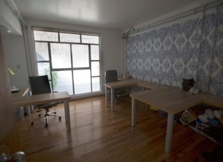 edificio con uso de suelo para oficinas
