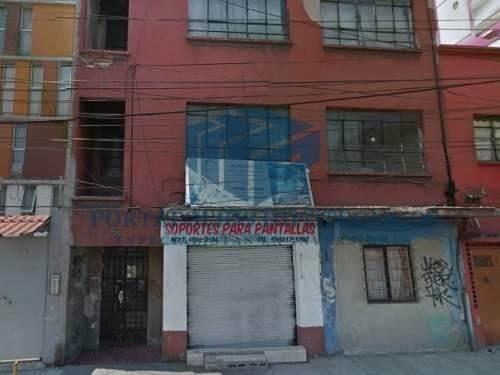 edificio de departamento y un local comercial !!