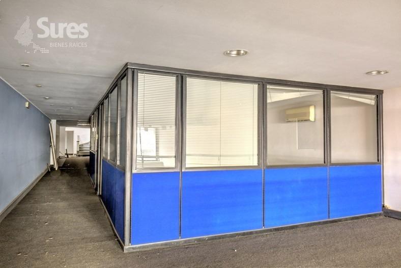 edificio de oficinas con local comercial sobre 18 de julio