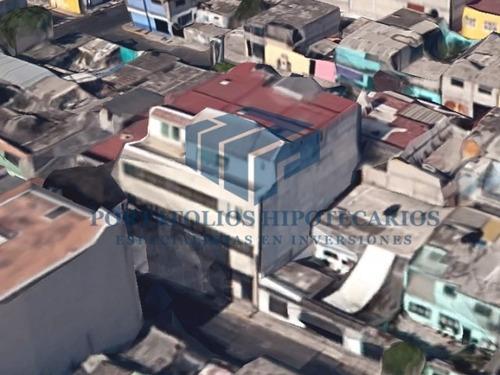 edificio de remate en iztapalapa con uso mixto