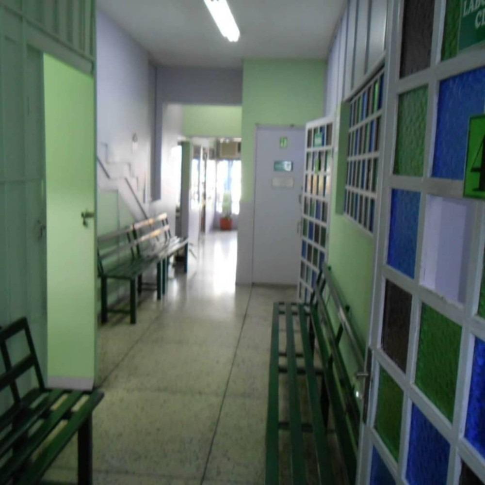 edificio dos plantas en centro de turmero