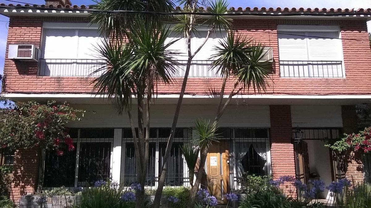 edificio en atlántida s/avenida principal. 15 apartamentos