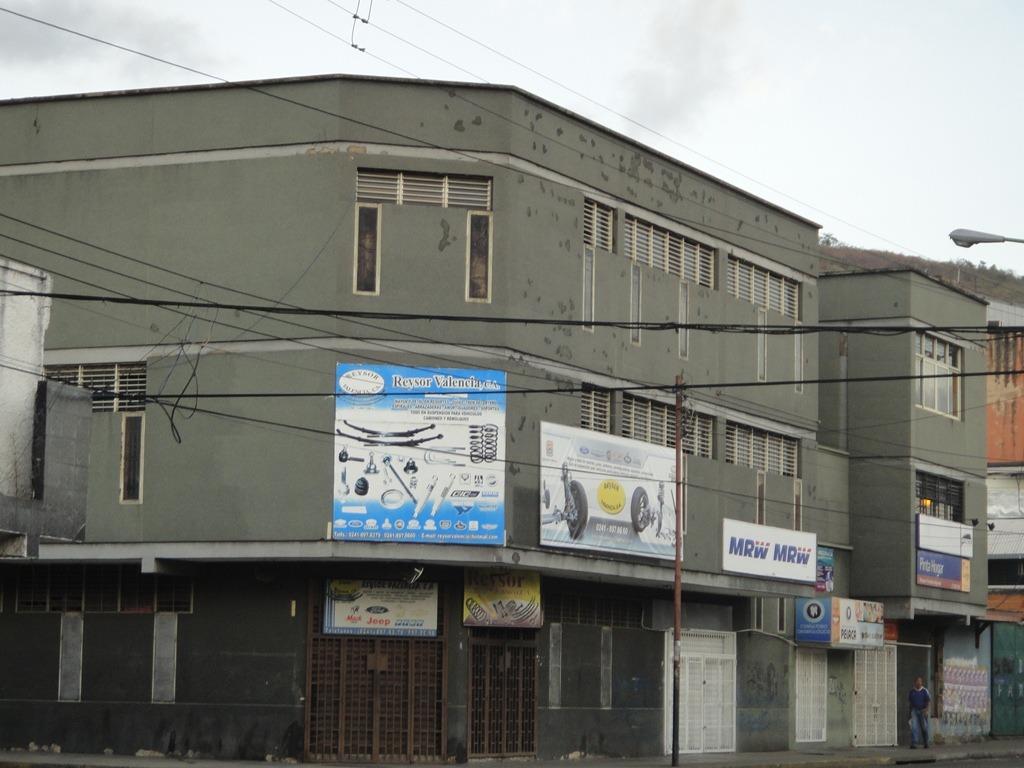 edificio en av aranzazu