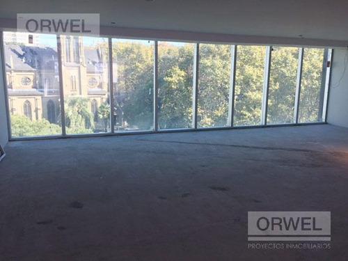 edificio en block con vistas de lujo! ubicacion inmejorable. 2015 m2 de alfombra.