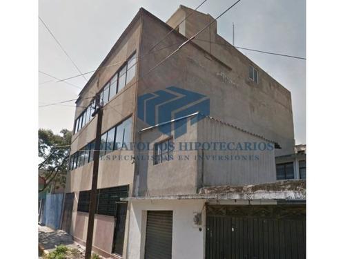 edificio en iztapalapa de remate con uso habitacional mixto