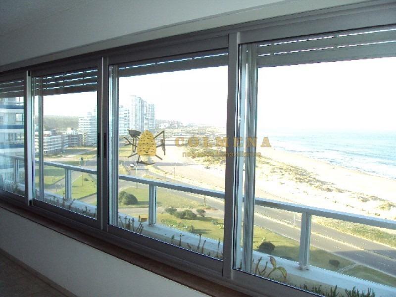 edificio en playa brava con vista frente al mar-ref:524