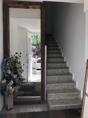 edificio en renta 3 niveles más terraza de 92 m2