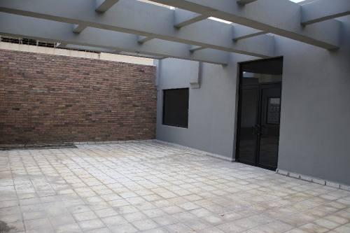 edificio en renta centro de monterrey