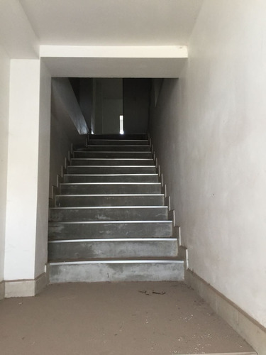 edificio en renta por salida a parral