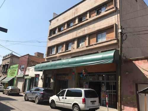 edificio en venta con local y departamentos en  centro historico