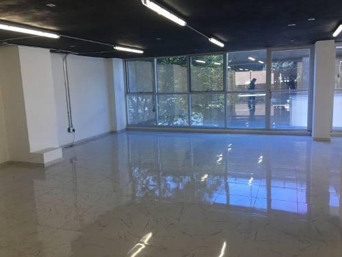 edificio nuevoubicadísimo de 9 nivelesplanta de 286 m2superficie total de oficinas: 2,574 m2 + áreas comunes.27 estacionamientos en 3 niveles (860 m2 aprox).totalmente terminado.obra blanca de