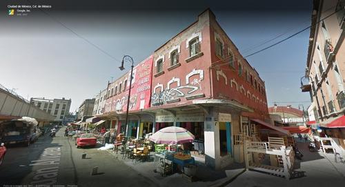edificio para locales o como terreno, excelente ubicacion!