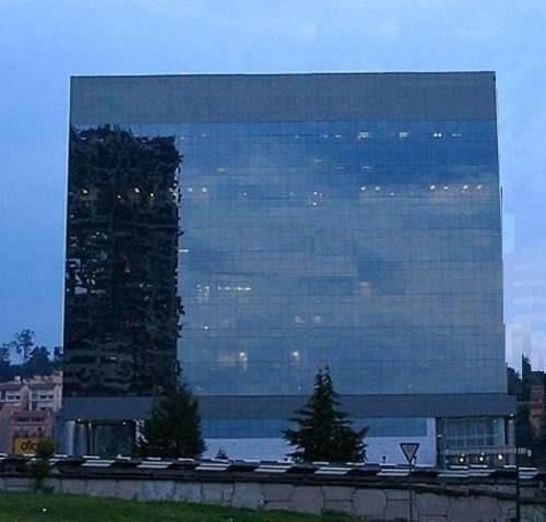 edificio totalmente acondicionado piso 4 con 1,017 m2 puntab