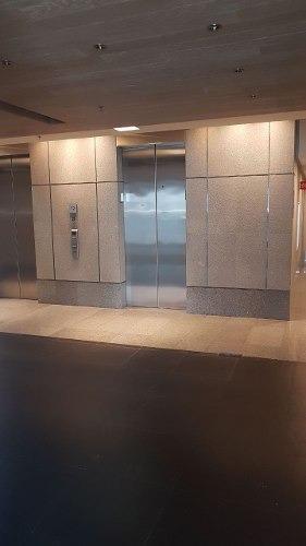 edificio totalmente acondicionado, piso 7 con 450 m2 napoles