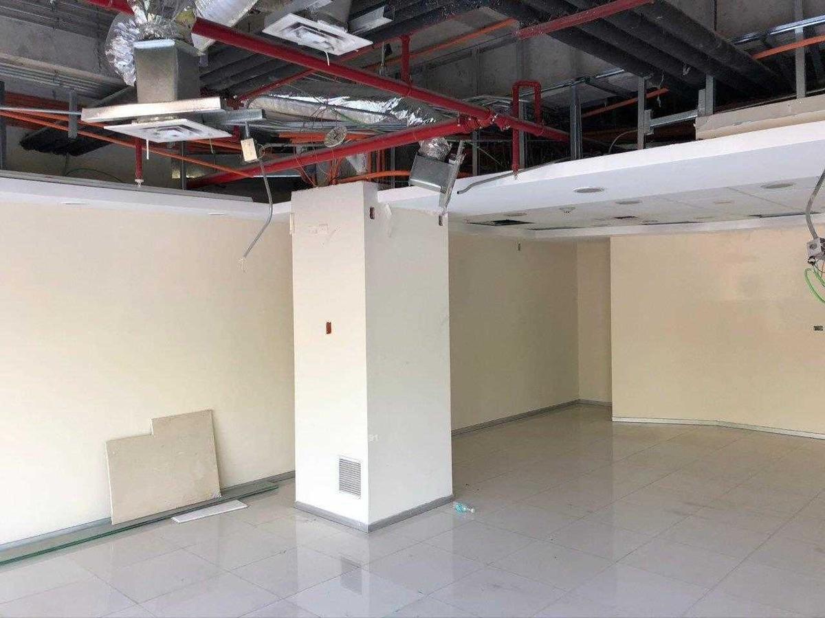 edificio  / white