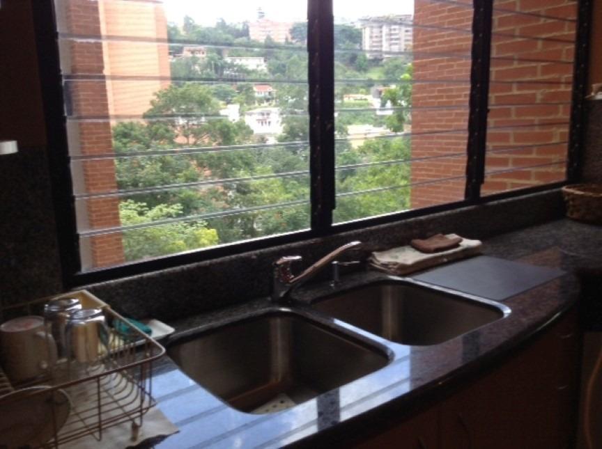 edificio/apartamento en excelentes condiciones y seguridad.