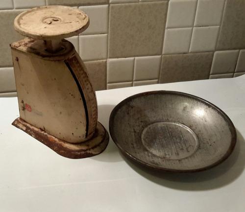 effem bascula antigua 2kg de coleccion    clave2611