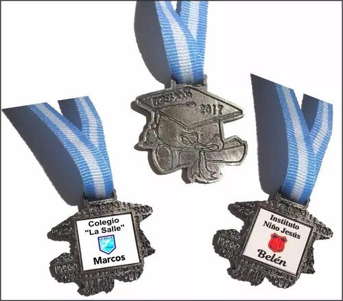 egresado 2017 medalla llavero con nombre c/u metal m1