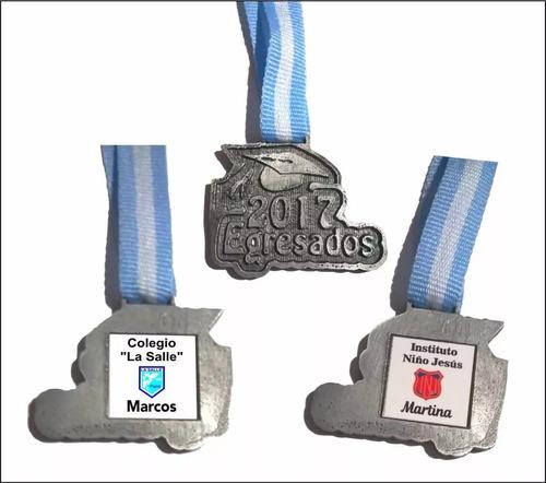 egresado 2017 medalla llavero con nombre c/u metal m3