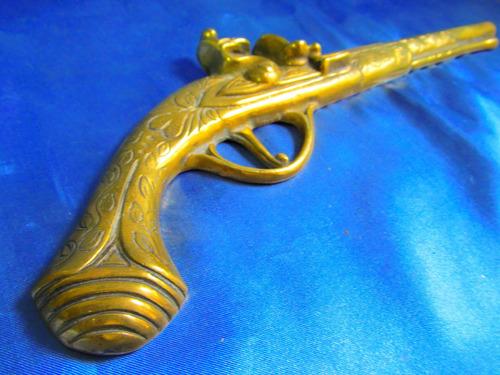 el arcon antigua figura pistola de bronce 33cm labrada 20052