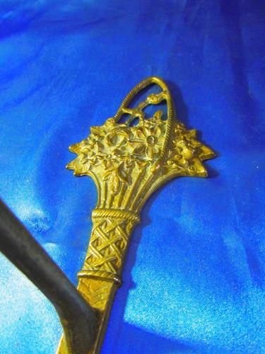 el arcon antigua percha de bronce labrado a mano 18069