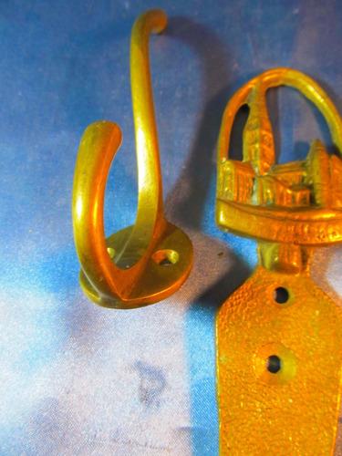 el arcon antigua percha y soporte herraje  de bronce  33081