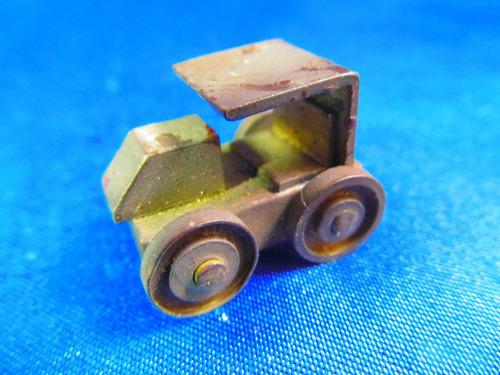 el arcon antiguo auto miniatura en chapa de bronce 3cm 5533